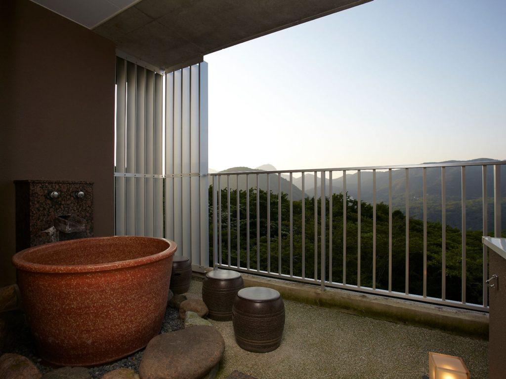 箱根「凛香」の客室露天風呂