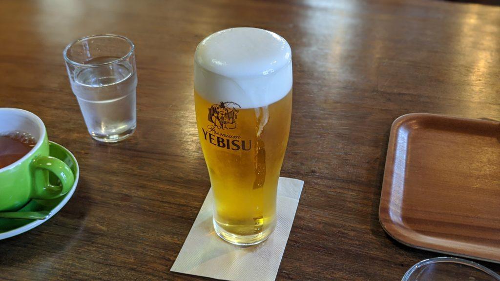 狸穴カフェの生ビール