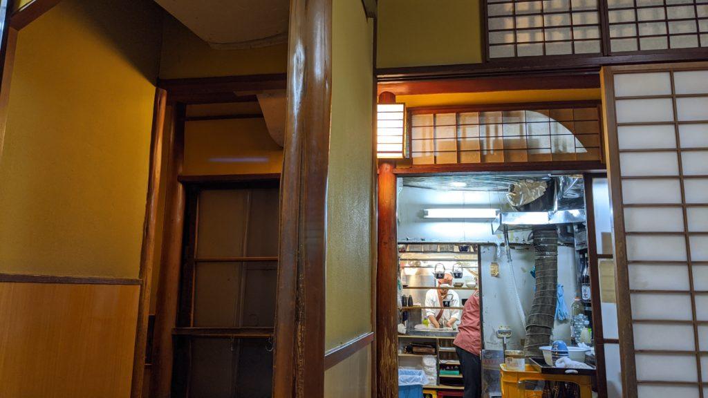上野の井泉、内観写真です。お座敷席の写真です。