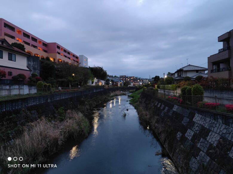 Xiaomi Mi11 Ultraで撮影した夕暮れ時の写真です。